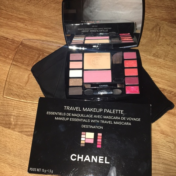 1b75778427e CHANEL Other - Travel makeup palette Chanel